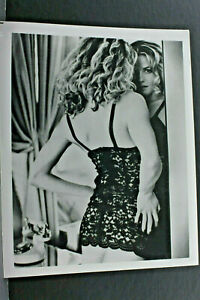 "Elizabeth Shue Mirror Shot Pin Up - 8x10"" Photo Print-Vintage L1161G"