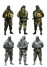 1/35 RESIN MODEL KIT FIGURE MODERN RUSSIAN SOLDIER (1 TOP QUALITY MOLDED FIGURE)