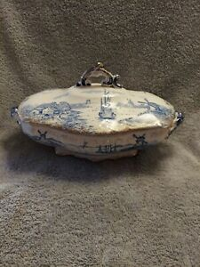 VINTAGE DELFT BLUE ,WHITE WITH GOLD TRIM COVERED DISH SAILBOATS WINDMILL MARKED