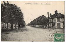 CPA 60 - ESTREES SAINT DENIS (Oise) - 1. Route de Flandre (petite animation)
