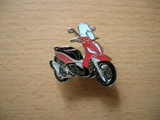Pin Anstecker Piaggio Vespa Beverly 350 Sport Touring Modell Bj 2013 rot 1189