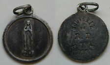 BONITA MEDALLA ANTIGUA RELIGIOSA DE LOURDES . PLATA . 1,10 gr / 15 mm