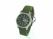 SEIKO Men SNK805 SEIKO 5 Automatic Green Cloth Band Retail $185 US Original Box