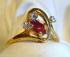 LOVELY SIMULATED RUBY RING w/3 TINY RHINESTONE SETS IN A 18 KHGE BAND-SZ. 6-EUC