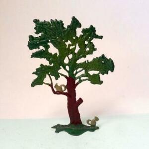 VINTAGE LEAD SQUIRREL TREE Pre War TAYLOR & BARRETT  FARM GARDEN - BRITAINS ERA