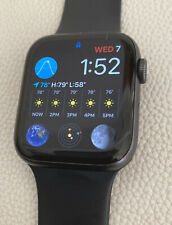 Apple Watch Series 4 44 mm Space Gray Case with Black Sport Band GPS