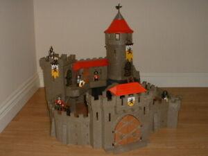 Playmobil Castle Knights - Massive Lion Castle 4865 - Complete.