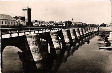 CPA Les Sables d'Olonne Le Chanel et la Tour d' Arundel (394061)