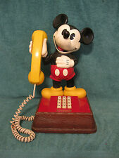 Vintage 1976 Mickey Mouse Telephone/Push Button (item# S282)