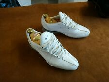 NIKE TRAINERS UK 9 WHITE LEATHER WITH GREY HEEL DETAILING