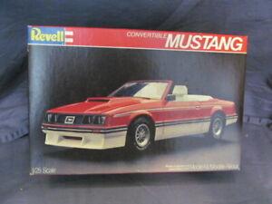 1982 Revell Model Car Kit Convertible Mustang UNASSEMBLED