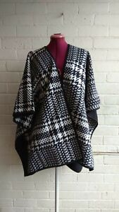 Nicole Miller reversible fashionable Wrap used once still very good condition
