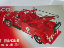 1st GEAR 1955 DIAMOND-T WRECKER 1/34 SCALE TOW TRUCK TEXACO DAY&NIGHT TOWING