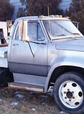 1975 D600 - THIS LISTING IS FOR 1 FRONT LUG NUT ONLY - 75 D-600 PARTING OUT