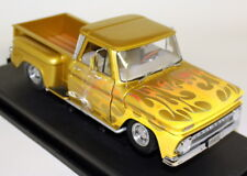 SUNSTAR 1/18 SCALA 1393 1965 CHEVROLET C-10 Stepside PICK-UP Lowrider Giallo