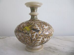 Small Alabaster Antique MUGHAL Vase, Flowers and  Mystic Birds 19th Century