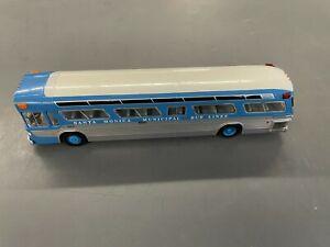 Corgi 54504 1:50 GM Bus Santa Monica Fishbowl