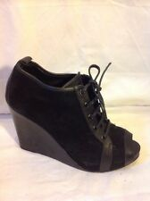 Design Editions For GAP Black Ankle Leather Boots Size 7