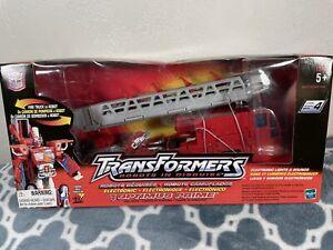 2001 Transformer - Robots in DISGUISE - AUTOBOT Optimus Prime FIRE TRUCK - MIB