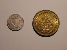 Zwei Münzen Südafrika, Three Pence, 1943, KM#26 u. 1/2 Cent, 1961 KM#56
