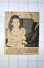 1949 Susan Gillette From Bristol Receiving Birthday Cake From Sir Miles Thomas