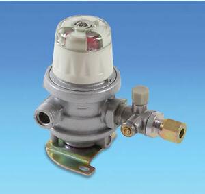 Caravan Gas Regulator Automatic Changeover Regulator  - 8mm Gas Pipe Outlet