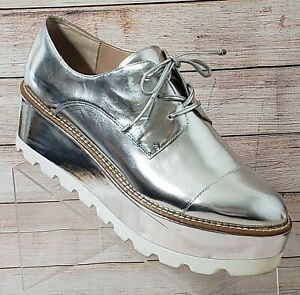 DKNY Uptown Oxford 9.5 Mirrored Silver Low Top Leather Lace Up Women's Shoes