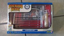 Revell Pinewood Carving Set -   - NEW!!!!  (B 26)