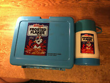 KELLOGGS FROSTED FLAKES LUNCH BOX & THERMOS 1985 / REAL PICS / WRONGWAY052