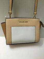 MICHAEL KORS SELMA POCKET MEDIUM MESSENGER HANDBAG Nude/White/Peanut 248$