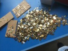 Beau lot de 4,200 Kgs de pin's en tout genre sans attaches RARETE