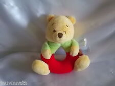 Doudou hochet Winnie, rouge, jaune, vert, Disney Baby, Nicotoy