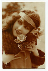 1920s Glamour Glamor PRETTY YOUNG LADY French Long Hair photo postcard
