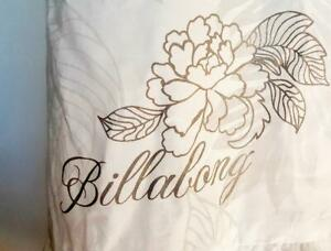 "BILLABONG ""Island Time"" Ladies All White embossed Sarong FREE SIZE Dress Top $60"