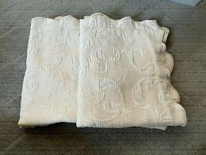 matelasse beige scalloped edge Pillow Shams Pillowcases Set of 2 Standard