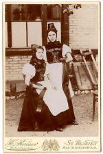 ST. BLASIEN Junge Schwarzwälderinnen in festlicher Tracht * Kabinettfoto um 1900