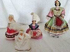 lot de 4 petites poupées régionales de différents pays