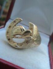 Attractive 9ct Yellow Gold Horseshoe, Whip & Jockey Cap Ring h/m 1990 - size X