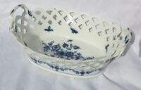 KPM PORCELAIN RETICULATED BASKET BUTTERFLIES  AND FLOWERS MIssing piece