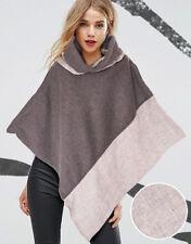 Mantella in pile grigio con inserti in lino spigato