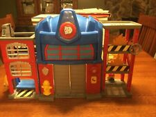 Transfomers Rescue Bots Optimus Prime Fire House Station Play house