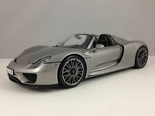 Minichamps 2013 Porsche 918 Spyder Liquid Metal Silver Diecast Model Car 1/18