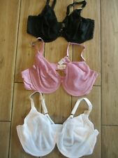 LADIES EX MARKS AND SPENCER BRA UNDERWIRED  SMOOTHING LACE  M&S