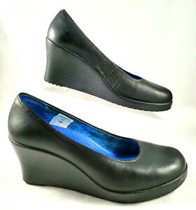 Crocs A-Leigh ~ Black Leather Closed Toe Wedge Shoes ~ Womens W8.5 ~ EUC
