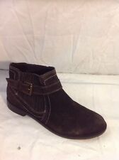 ee74d1b0531 Mantaray Brown Ankle Suede Boots Size 37