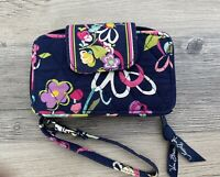 VERA BRADLEY All In One Wristlet Wallet Zip Around Quilted Floral