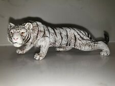 While Tiger Figure