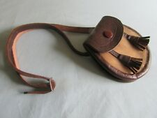 VINTAGE SCOTTISH CHILD'S SPORRAN IN LEATHER AND HIDE