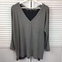 J Jill Wearever Collection Top Size M V Neck 3/4 Sleeve Black White Geometric