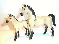 Nr.11)  Schleich Sondermodell Araber Stute mit Fohlen Sonderbemalung Pferd